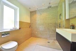Une douche à l'italienne pour se relaxer chez vous