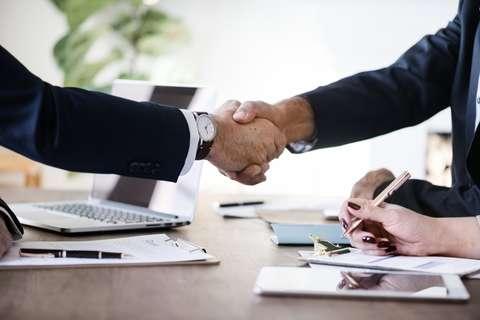 Le compromis de vente intervient avant l'acte d'achat.