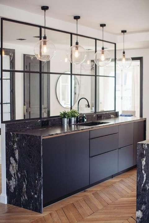 Une verrière, pour eclairer naturellement votre cuisine.