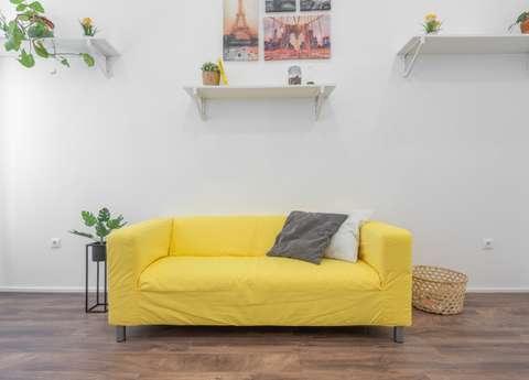 Les meubles imposants sont à proscrire d'un petit salon